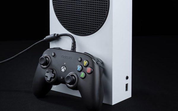 NACON Pro Compact Controller Noire image 02